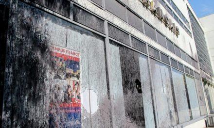 [Θεσσαλονίκη] Παρέμβαση ΕΠΘ-Ρουβίκωνα στο Γαλλικό Ινστιτούτο