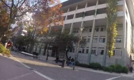 Επίθεση με μπογιές στα δικαστήρια Λάρισας (video)