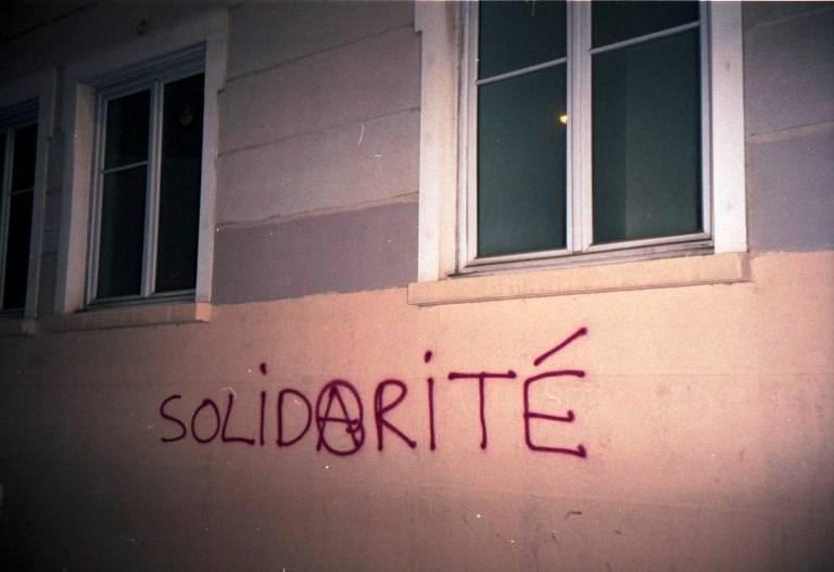 Άμεση απελευθέρωση των συντρόφων μας στη Λυών